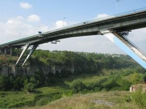 Прыжки с моста  Rope-jumping